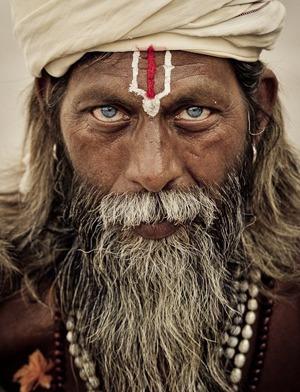 Брахманы - люди белой РАсы, высшая каста в индии